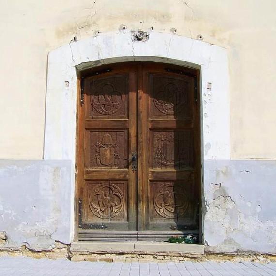 L'evoluzione della porta: dall'antichità alle moderne soluzioni di design